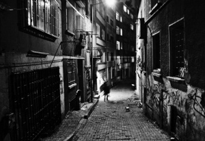 480x330-Scary-Alley-Person_0